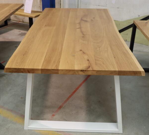 Esstisch Wildeiche mit Baumkante 200x100cm