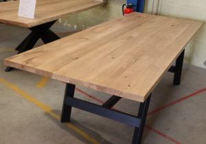 Tisch aus Wildeiche 280x100cm