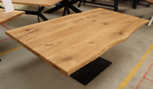 Tisch mit Baumkante Baumtisch Esstisch Konferenztisch 200x100cm