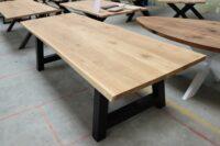 Tisch mit Baumkante auf A-Gestell 280x100cm