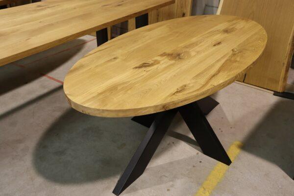 Ovaler Tisch aus Wildeiche 180x90cm