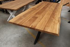 Esstisch aus Wildeiche mit Baumkante 240x100cm