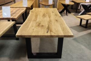 Tisch mit Baumkante aus Wildeiche 250x100cm