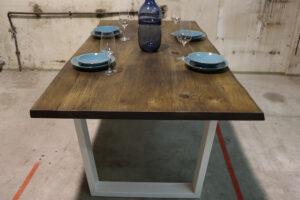 Tisch mit Baumkante Esstisch in 200x100cm