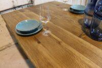 Tisch mit Baumkante aus Eiche rustikal 220x100cm
