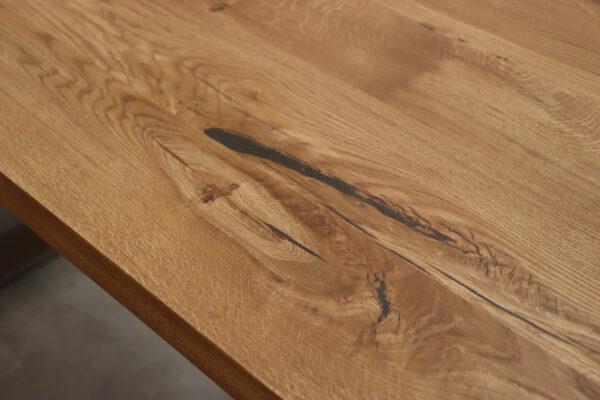 Tisch aus Wildeiche in 180x90cm