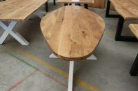Ovaler Tisch aus Eiche in 210x100cm