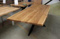 Tisch mit Baumkante 260x100cm