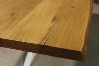Tisch mit Baumkante aus Wildeiche in 260x100cm