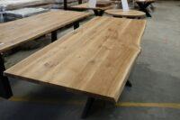 Tisch mit Baumkante in 260x100cm