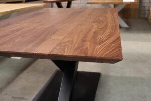 Tisch aus Am. Nussbaum 180x100cm