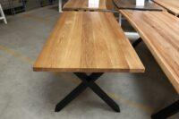Tisch aus Eiche in 180x90cm