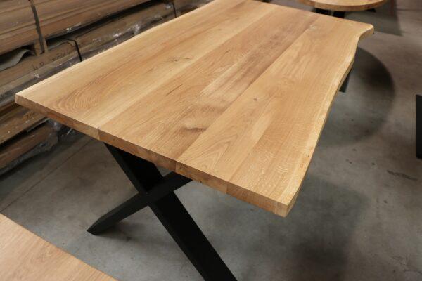 Tisch mit Baumkante in 160x90cm