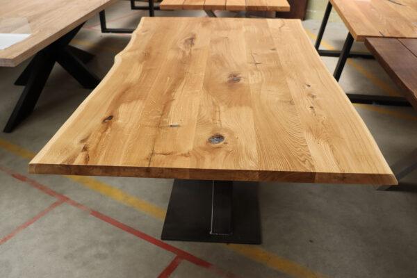Tisch mit Baumkante mit Epoxidharz 180x100cm