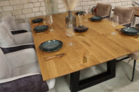Tisch mit Schweizer Kante in 240x140cm Epoxy