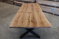 Tisch mit Baumkante aus Wildeiche 240x100cm