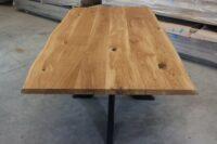 Tisch mit Baumkante aus Eiche 200x100cm